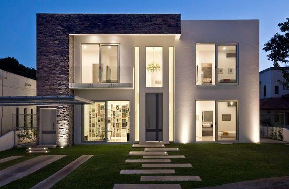 60 bonitas fachadas de casas minimalistas sencillas y for Modelos de fachadas para frentes de casas