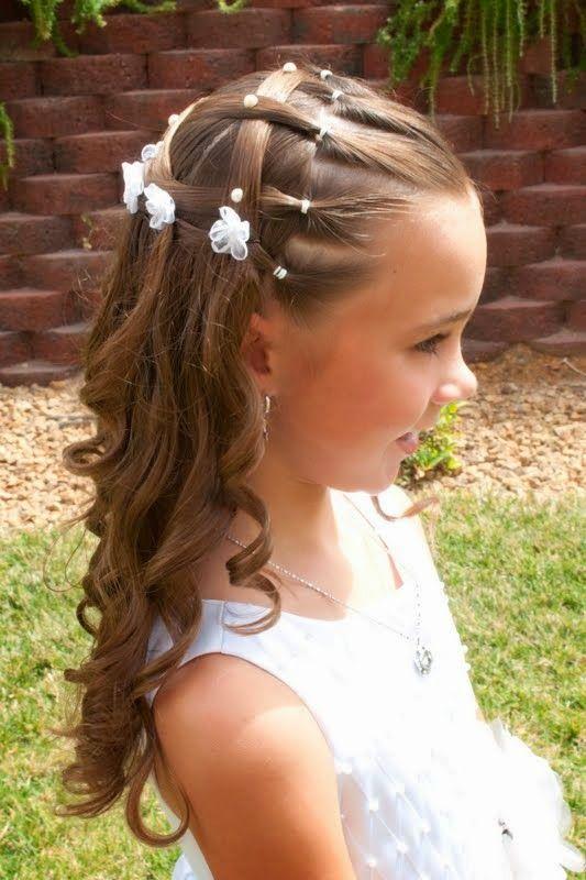 Peinados para primera comunion cabello rizado